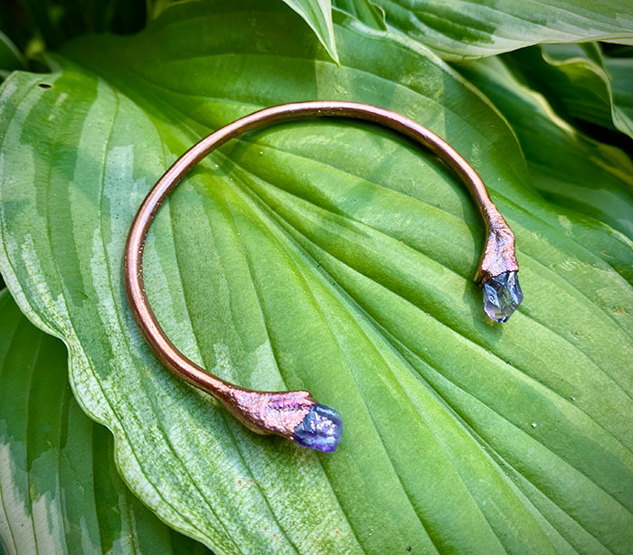 amethyst crystal point bangle xs 02